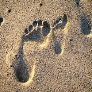 FOOTPRINTS - TWO UNMATCHING